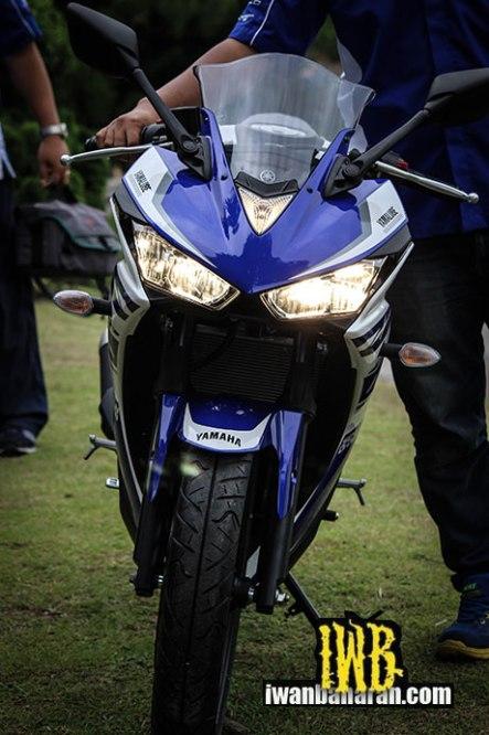 Yamaha-YZF-R25-photos-023