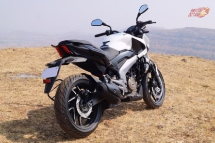 bajaj-dominar-rear-three-quarter-1